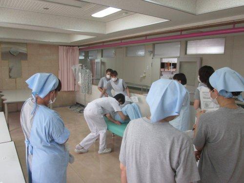 看護助手勉強会  体位交換とポジショニング 1