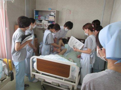 看護助手勉強会  体位交換とポジショニング 3